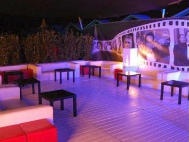 Wyn club ostia discoteca info e prenotazioni for Interno 1 ostia